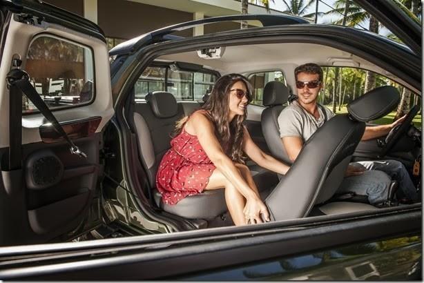 Nova Fiat Strada 2014 3 portas