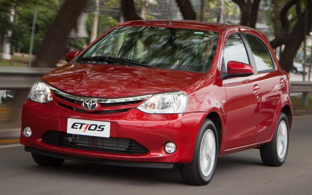 Novo Etios 2014 Hatch Comparativo