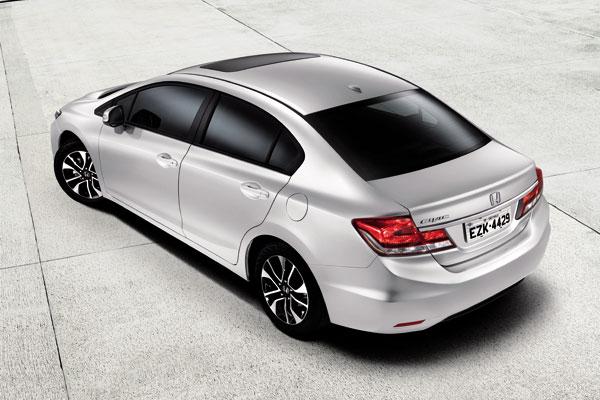 Novo Honda Civic 2014 Traseira e teto Solar