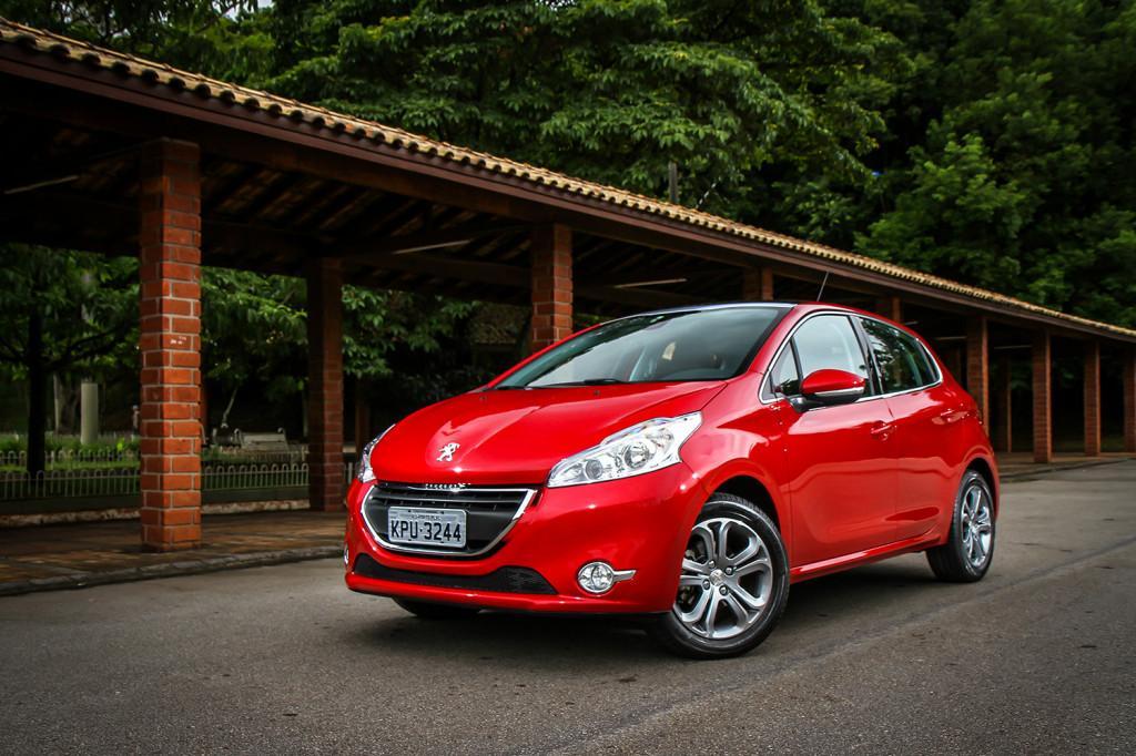novo-Peugeot-208-2014-preco-3