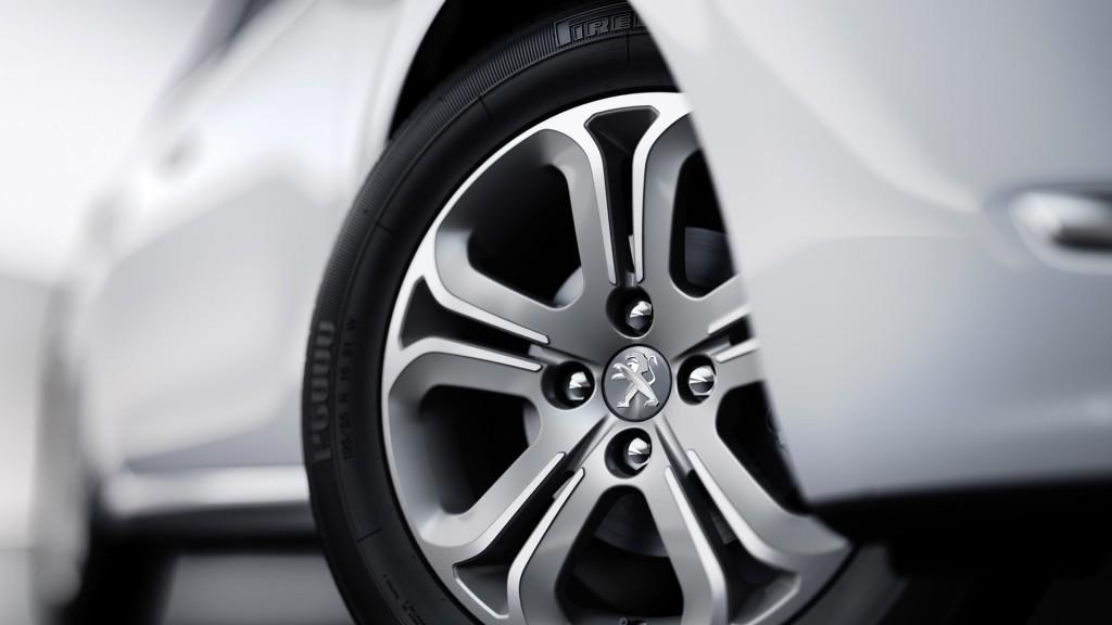 Novo Peugeot 208 2015 Ficha Técnica