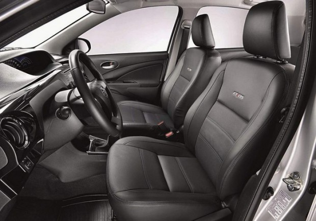 Novo Toyota Etios 2015 Interior