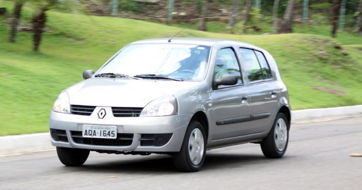 Veiculo / Teste com o automovel Renault Clio Campus, 1.0, 16V, Hi-Flex, 4p
