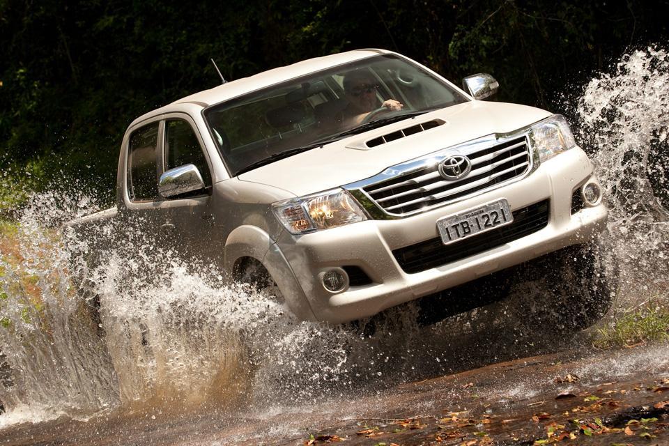 Nova Toyota Hilux é boa? É a melhor?