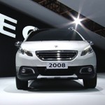 novo-Peugeot-2008-2015-2016-11