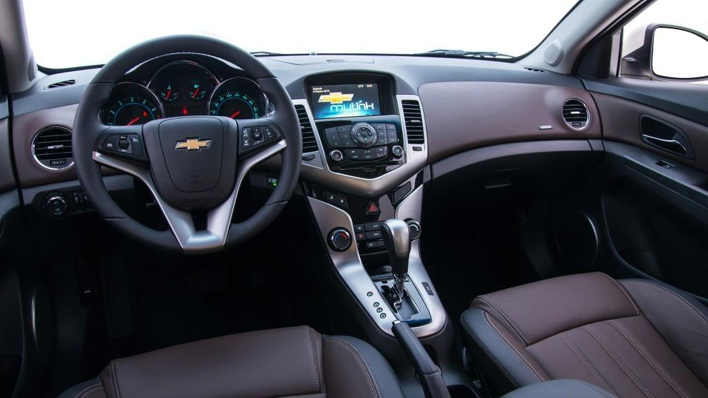 Novo Cruze 2016 Hatch - Interior