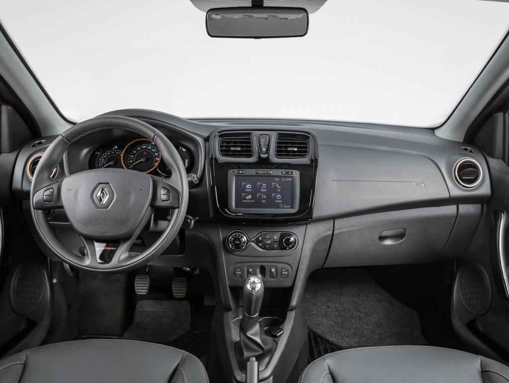 Novo Renault Sandero Stepway 2016 Interior e itens de série