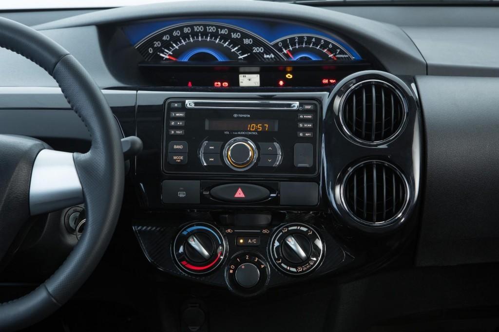 Novo Toyota Etios 2016 - Detalhes e Ficha Técnica