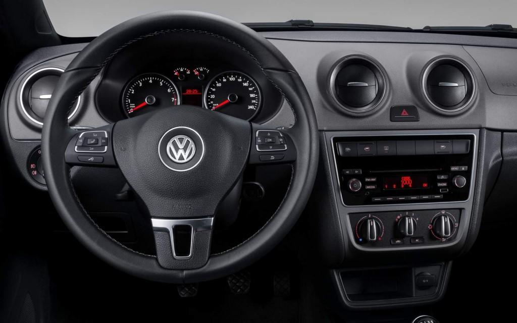 Novo Volkswagen Voyage 2016 - Interior e Itens de série