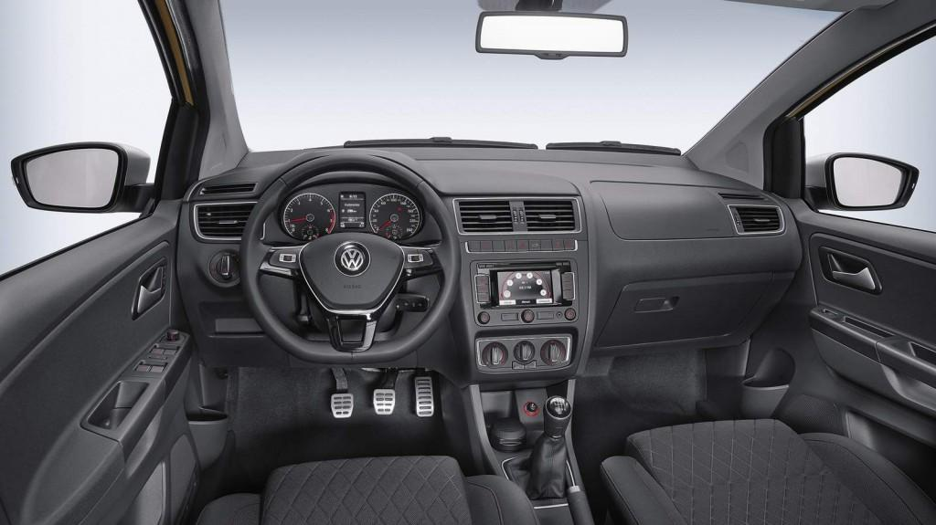 Novo Crossfox 2016 - Interior e por dentro
