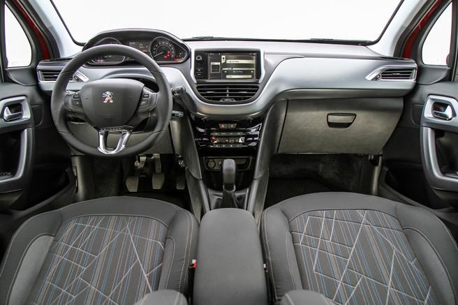 Novo Peugeot 208 2016 - Interior e Itens de Série