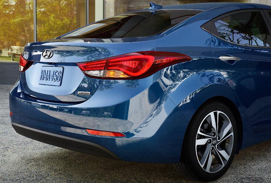 Hyundai Elantra 2016 - Ficha Técnica