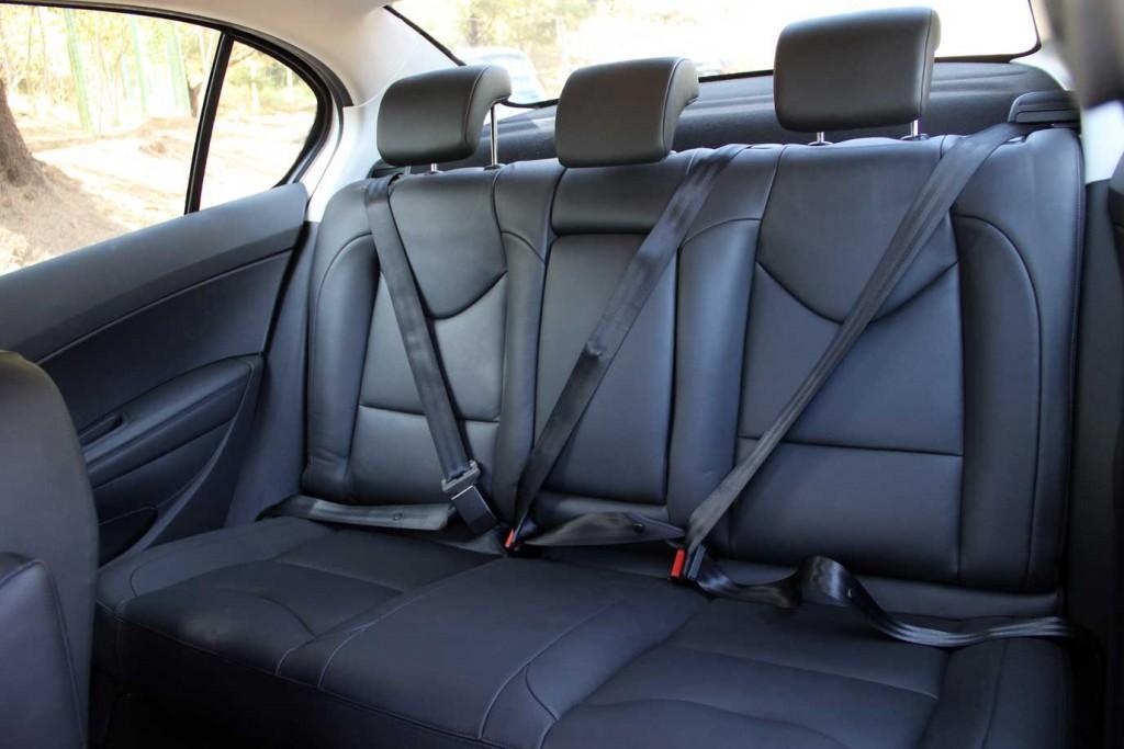 Novo Peugeot 408 2016 – Interior