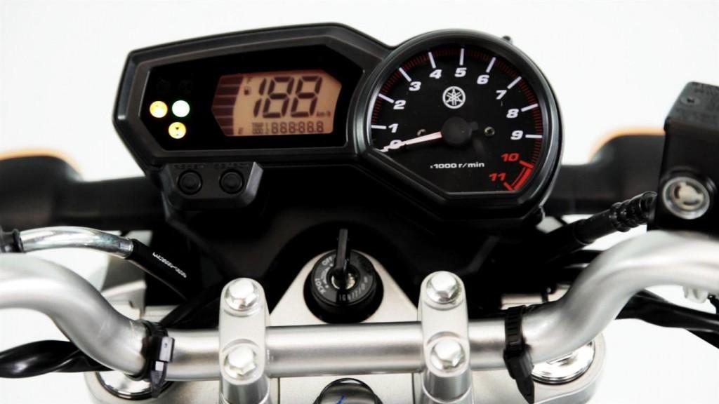 Nova Yamaha Fazer 250 2016 - Painel