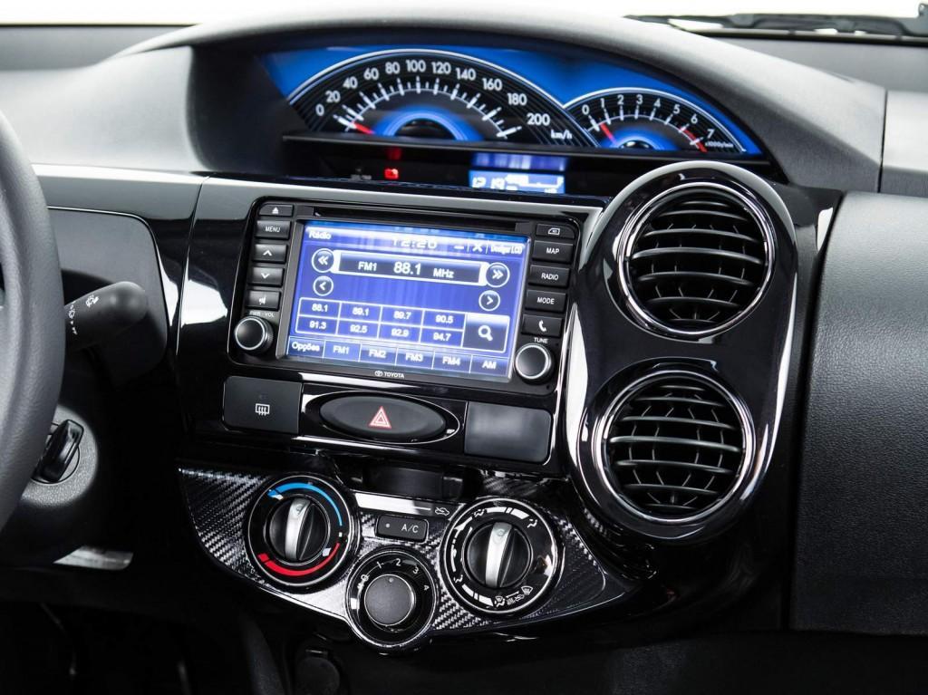 Toyota Etios 2016 Sedã - Kit multimídia e GPS