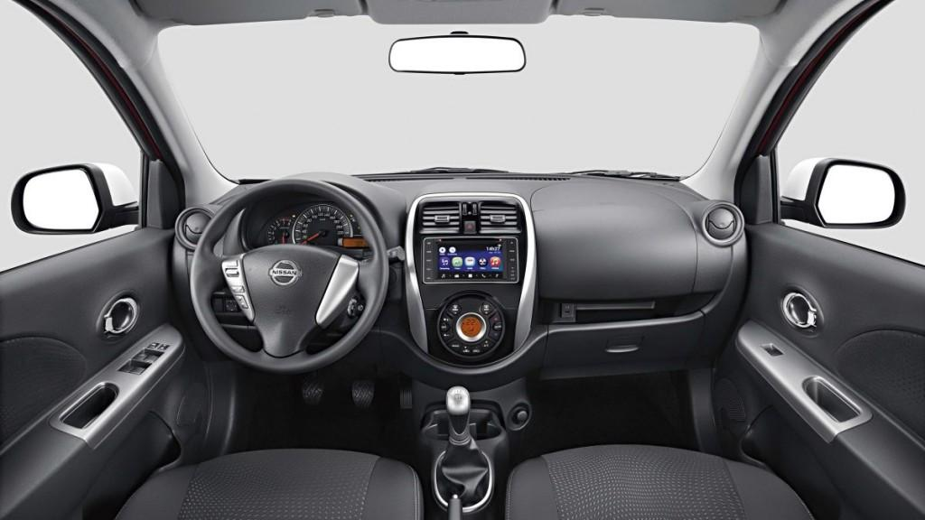 Nissan March 2017 - Interior
