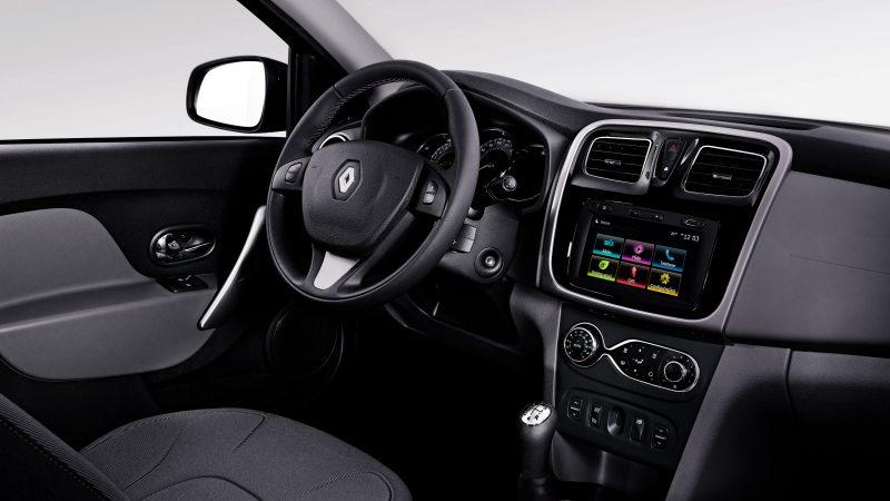 Renault Logan 2017 - Por dentro