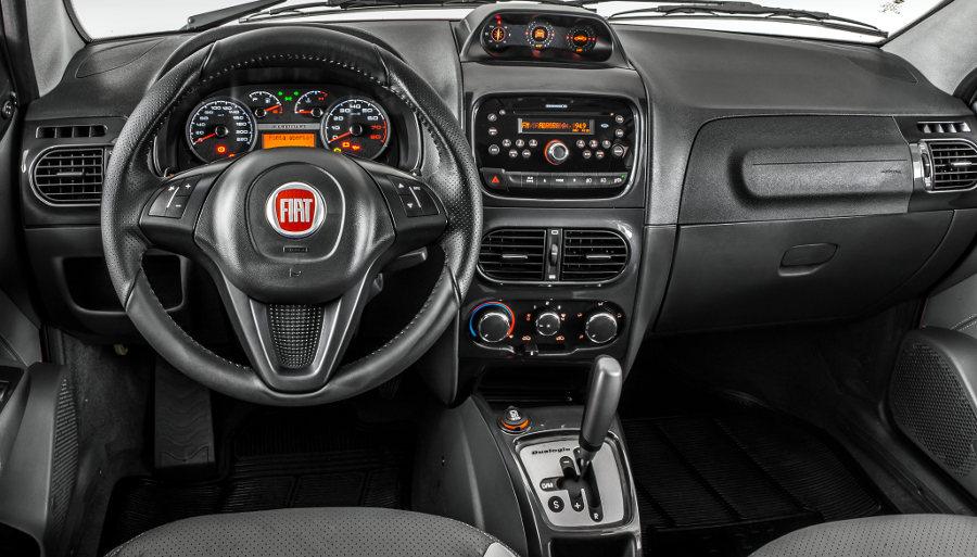 Nova Fiat Strada 2017 - Interior e por dentro