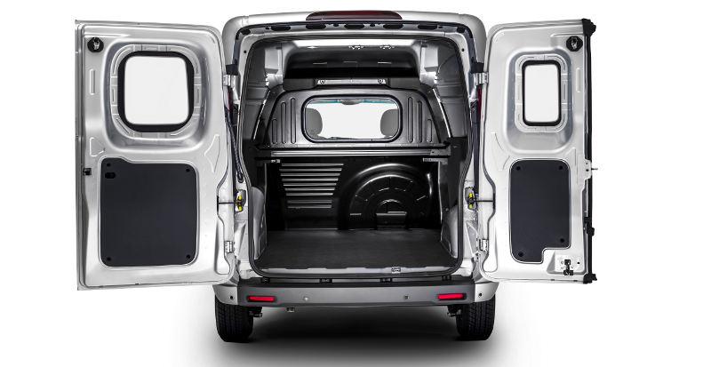 Nova Fiat Fiorino 2017 - por dentro