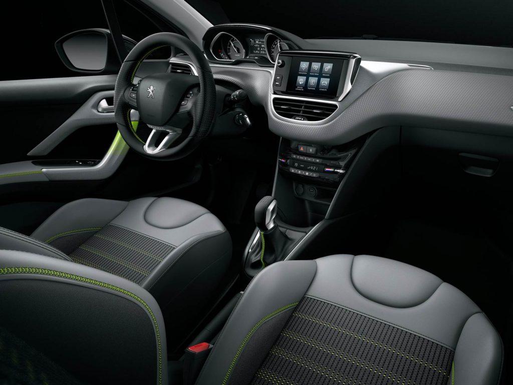 Novo Peugeot 208 2017 - Interior por dentro