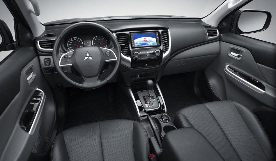 Novo L200 Triton 2017 - Interior