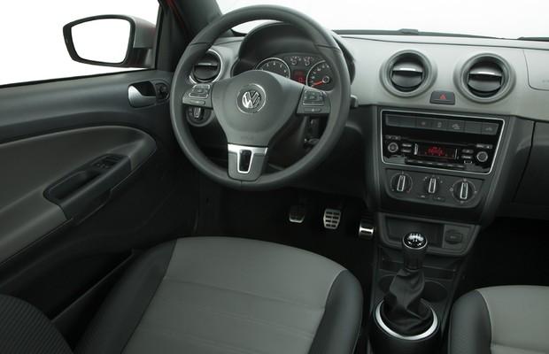 Volkswagen Saveiro 2017 - Interior por dentro painel