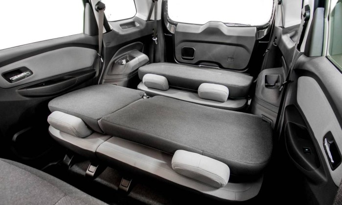 Nova Chevrolet Spin 2017 - Porta malas interior