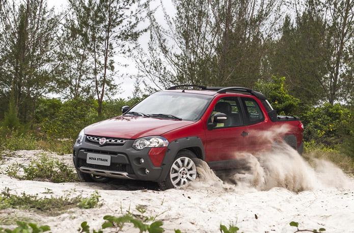 Fiat Strada 2017 Adventure - Cabine dupla