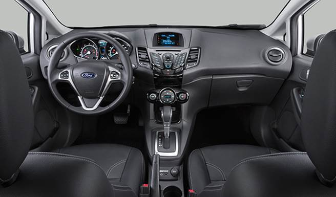 New Fiesta Titanium 2017 - interior
