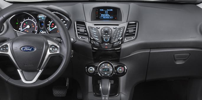 New Fiesta Titanium 2017 - por dentro