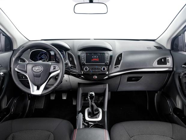 Novo JAC T6 2017 - Interior