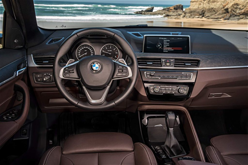 Nova BMW X1 2017 - por dentro