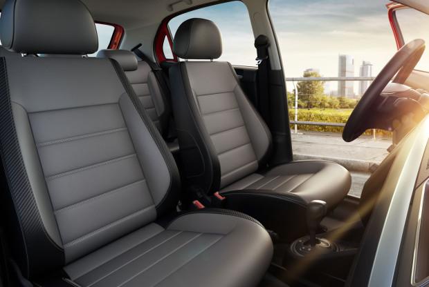 Volkswagen Voyage Highline 2017 - bancos de couro