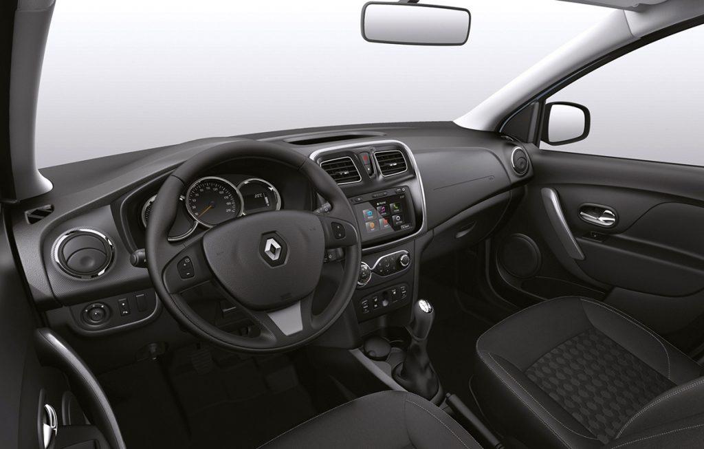 Renault Logan 1.6 2017 - por dentro