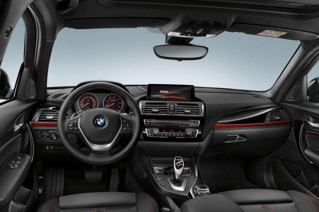 Nova BMW 135i 2017 - Interior