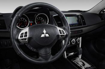 Mitsubishi-Lancer-2017-3