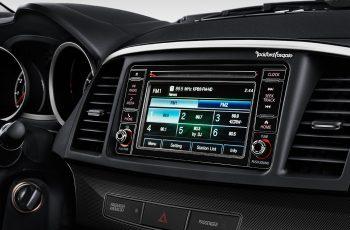 Mitsubishi-Lancer-2017-9