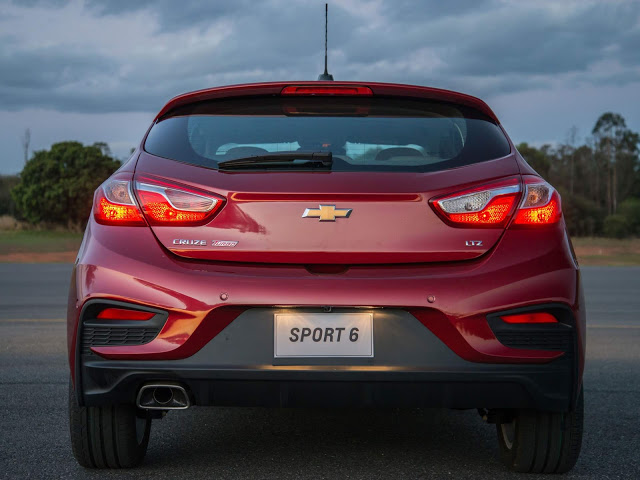 Novo Cruze 2018 Hatch - porta malas