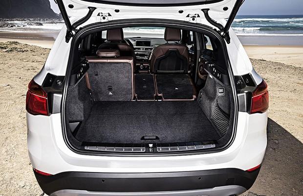 Nova-BMW-X1-2018-10