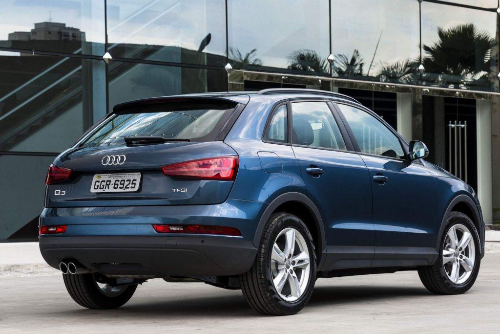 Novo Audi Q3 2018 - Interior, por trás, traseira