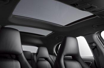 Mercedes-GLA-200-2018-3