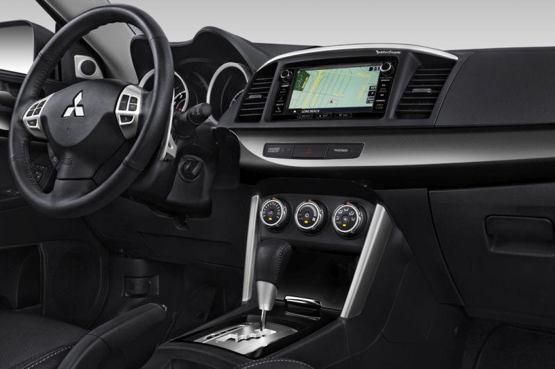 Mitsubishi-Lancer-2018-8