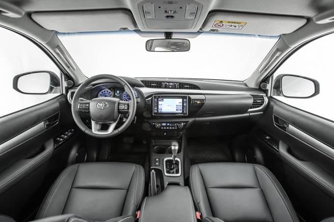 Hilux 2019 - Interior, por dentro