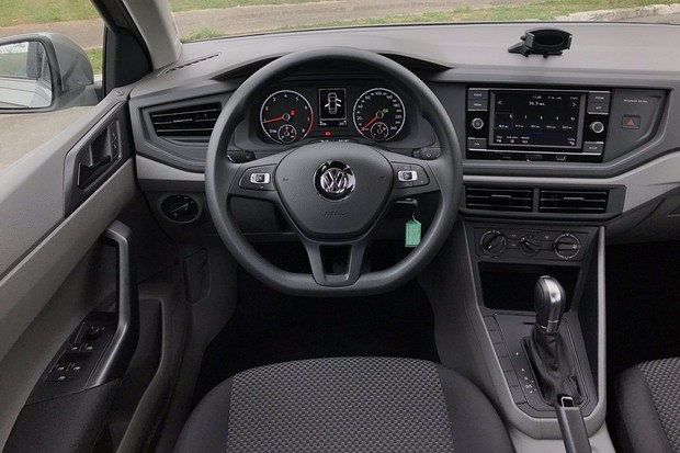Volkswagen Virtus Highline 1.0 - Interior, painel
