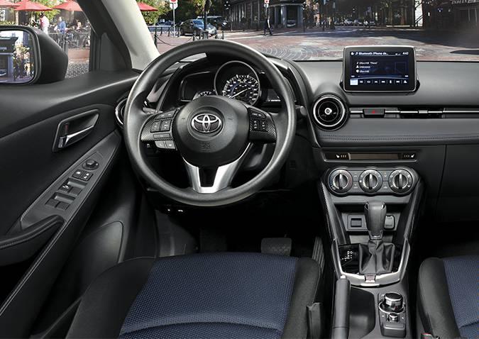 Novo Toyota Yaris 2020 - Interior, por dentro