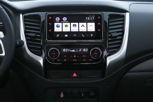 Mitsubishi L200 Triton 2020 - Kit multimídia
