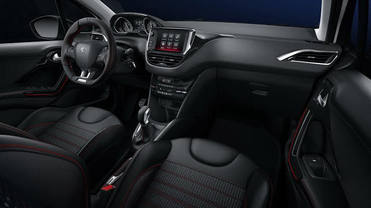 Novo Peugeot 208 2020 - Painel, volante, interior, por dentro
