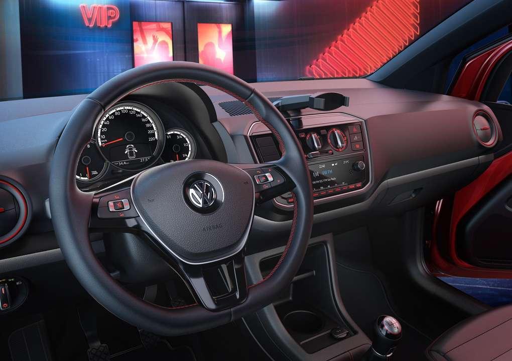 Novo UP 2020 - Volante, painel, rádio