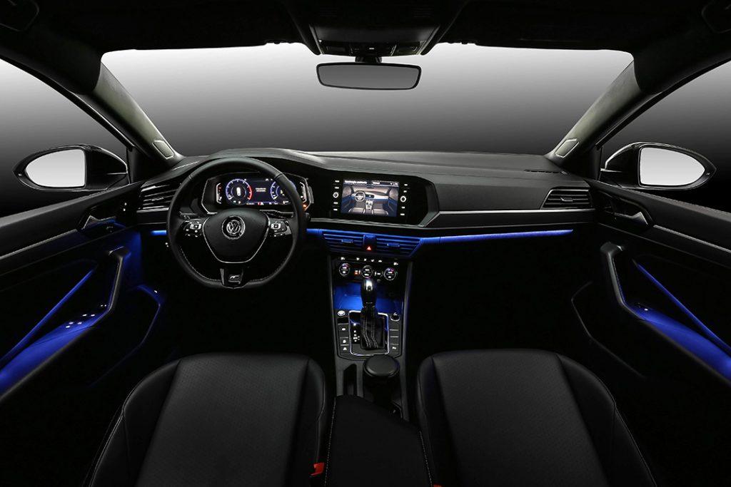 Novo Volkswagen Jetta 2020 - Interior, itens de série
